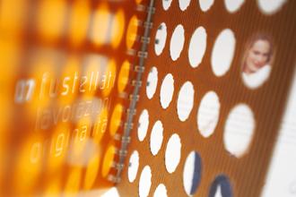 Immagine Company Profile scatolificio Ondulkart. Progetto monografico curato dall'Agenzia Pubblicitaria e di comunicazione e packaging Holbein & Partners SRL di Villorba Treviso.
